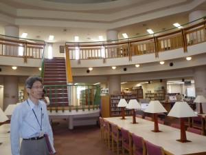 10万冊蔵書の図書館