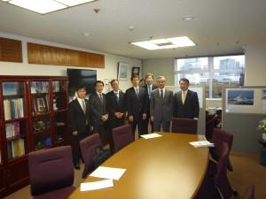 海上保安庁長官(右から2人目)と花角次長