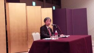 新政策研究会講師の袴田先生